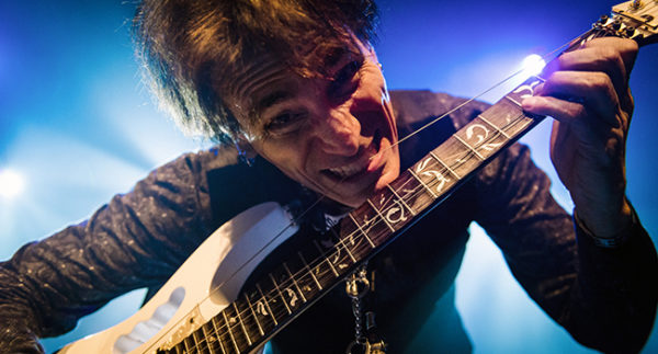Steve Vai Bergen op Zoom Passion and Warfare 25th tour