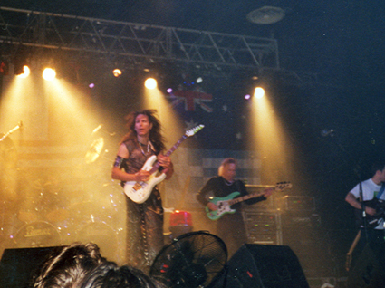 Steve Vai nonantola alive in an ultra world tour