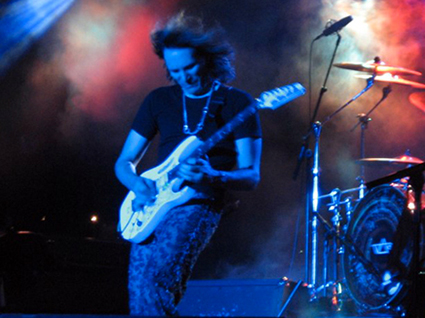 stevevai.it - Steve Vai Bergara sound theories tour