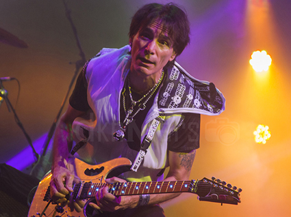 stevevai.it - steve vai budapest passion and warfare 25th tour